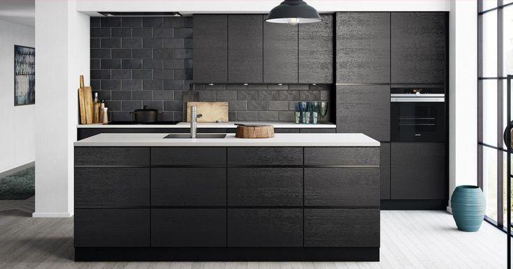 Tyylikäs musta Mano Sera SeurusteluKeittiö® on tarkoitettu sinulle, joka haluat laatua viimeistä piirtoa myöten.
