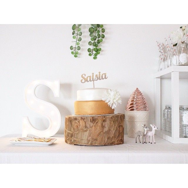 styled & photographed by #LittleSandCo #saisiaisone #birthdayparty #partystyling #copper #white #vines #marqueelight #wood #whimsical #childrensparty x