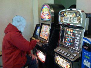 """""""A carte scoperte"""": a San Pietro una mostra contro il gioco d'azzardo"""