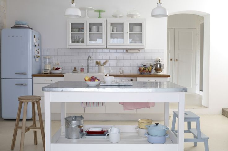 Yvonne @yvestown's beautifully organised pastel kitchen in Belgium | Top tip: Make sure there's a place for everything! #IKEAIDEAS from #IKEAFAMILYMAGAZINE