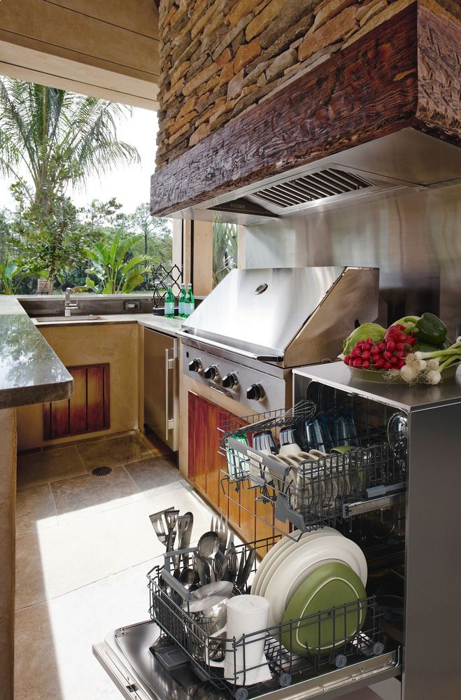 Oh the convenience that comes with having an outdoor kitchen... Think of all those fun gatherings you could throw during the summer.: Outdoor Dishwashers, Decor Kitchens, Design Ideas, Summer Kitchens Inside Screens, Outdoor Kitchens Design, Design Kitchens, Outdoor Living Rooms, Modern Kitchens, Kitchen Designs