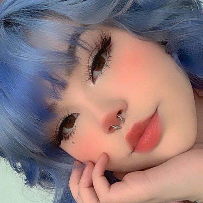 21 People Who Aren't Fooling Anyone on Social Media. | Cute makeup looks, Edgy makeup, Alternative makeup