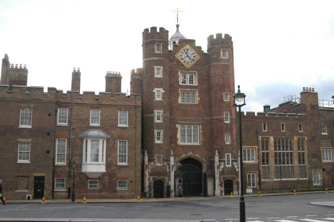 St James's Palace is one of only 2 surviving palaces out of the many owned by King Henry VIII. Though it was always secondary in importance to the Palace of Whitehall during the Tudor period, it's an important site that has retained many of its Tudor architectural aspects. It was built under Henry VIII 1531 - 1536. 2 of Henry VIII's children died at the Palace: Henry FitzRoy and Mary I. Elizabeth I often stayed there, and is said to have spent the night there while waiting for the Spanish…
