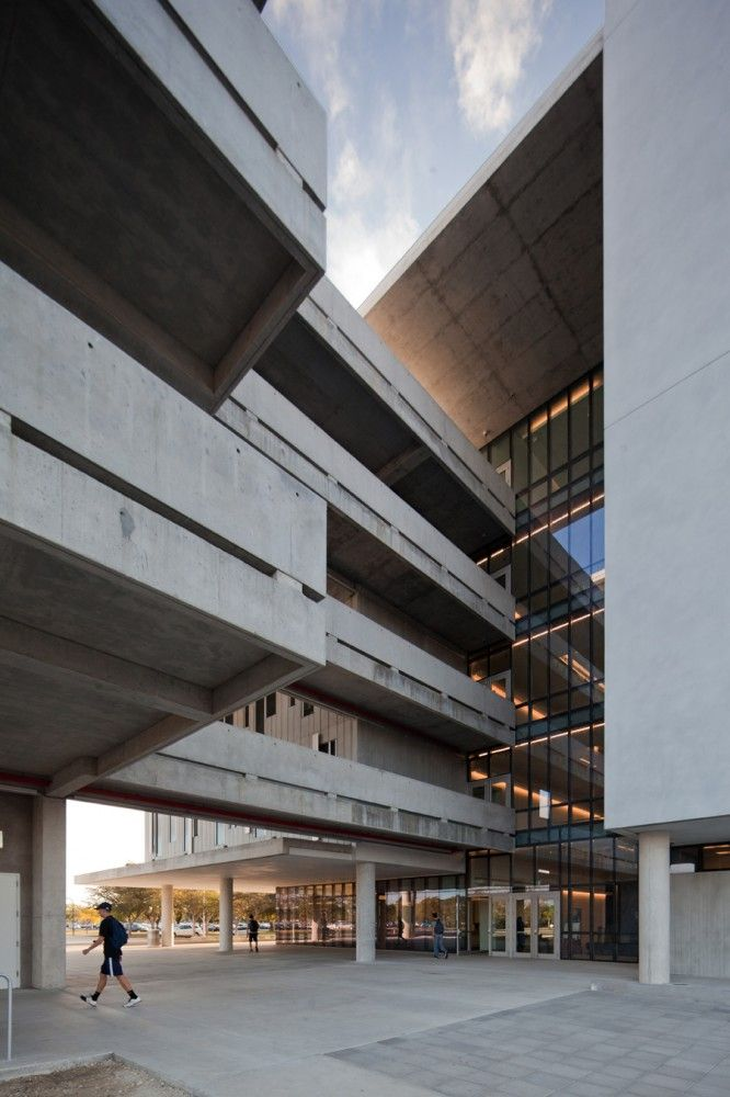 Miami-Dade College Kendall Campus / Perkins+Will