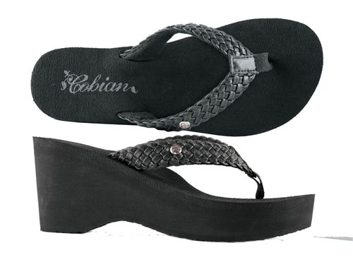 Cobian Zoe Black Flip Flops is a best selling wedge by Cobian®.