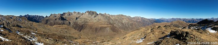 #Randonnée #photo : LAC BRAMANT, LAC BLANC et Aiguilles d'Arves en fond  #Montagne #Maurienne #Belledonne #Savoie
