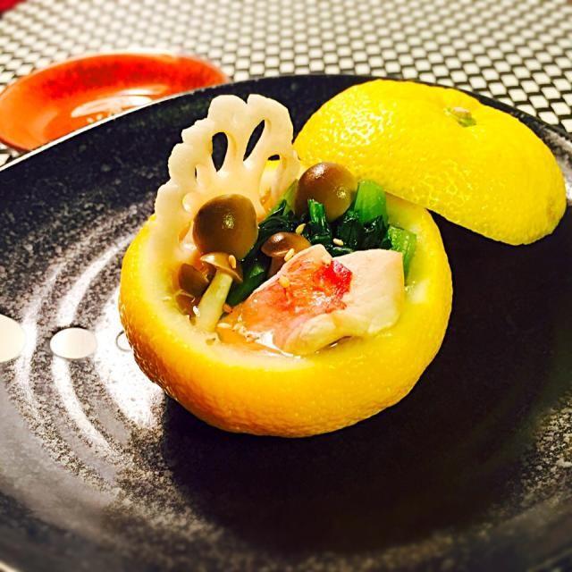 柚子が出てきたら作りたいと思ってました♪ 小さなお鍋みたいで、絞りたての柚子ばっかり風味が良かったです♥︎ - 88件のもぐもぐ - ♦︎金目鯛の柚子蒸し♥︎ 絞りたての柚子ポン酢で初冬の味覚♪ by kaoruko