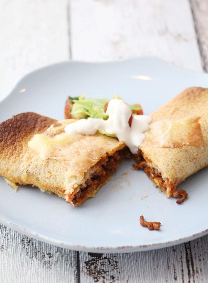 Enchiladas med laks. Fantastisk godt. Vær raus med paprika og tacosaus.