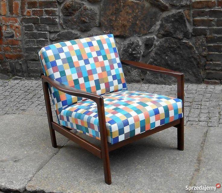 ORYGINALNY FOTEL W NOWYM WCIELENIU PO CAŁKOWITEJ RENOWACJI.  Ogłoszenie dotyczy fotela z pierwszych dwóch zdjęć. Ceny innych foteli wg wybranych opcji.  Stelaż drewniany oryginalny (buk), oczyszczony i polakierowany na ciemny brąz, inny kolor lub jasny naturalny olejowany.  Całkowicie wymienione części miękkie fotela – gąbka, pasy tapicerskie lub sprężyny.  Siedzisko – tkanina obiciowa Toptextil Barcelona 4360  gabaryty fotela:  wysokość fotela – 74 szerokość fotela - 68 głębokość fotela –…