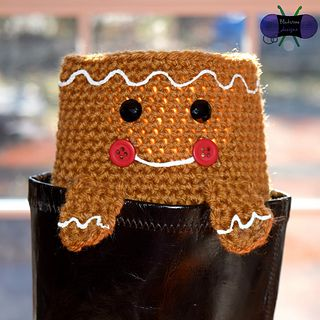 Peeping Gingerbread Boot Cuffs crochet pattern (1 of 6 Christmas themed designs) by Blackstone Designs.