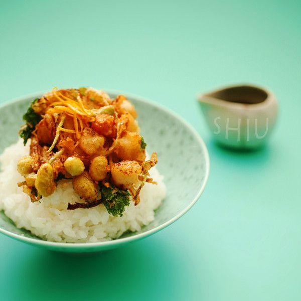 〈青大豆と小柱のかき揚げ〉4. かき揚げ丼 : たべるん。
