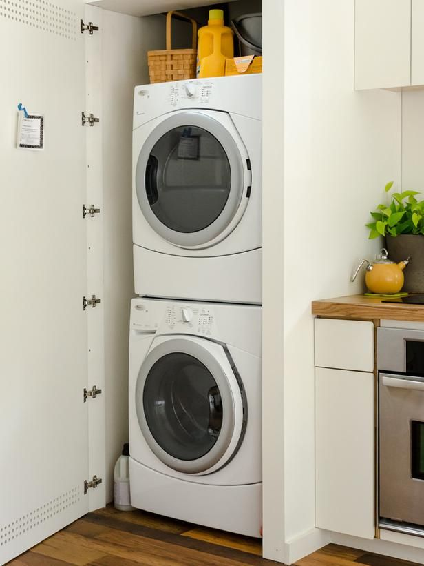 A rainwater collection system supplies all the water for the toilets, washing machine and the exterior hose bibs. To save space, the full-sized washer and dryer are tucked inside a closet next to the kitchen.x