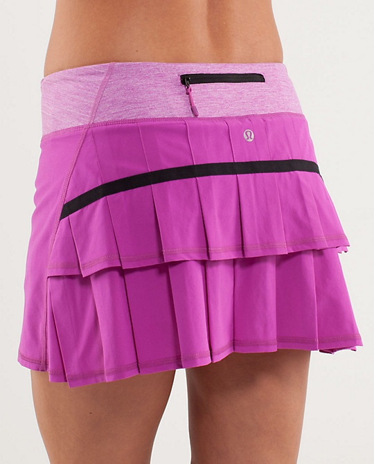 This pace setter skirt has an adorable ruffle butt and comes in white and black as well. Buying this ASAP!