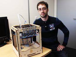 ngénieur pluridisciplinaire, Mario Sanz Lopez maîtrise aussi bien la robotique et la conception de capteurs et d'interfaces, que la réalisation de prototypes. Membre de l'équipe-projet Shacra d'Inria Lille – Nord Europe, il met aujourd'hui son talent au service de la modélisation médicale, à l'aide d'un outil en plein essor : l'imprimante 3D.