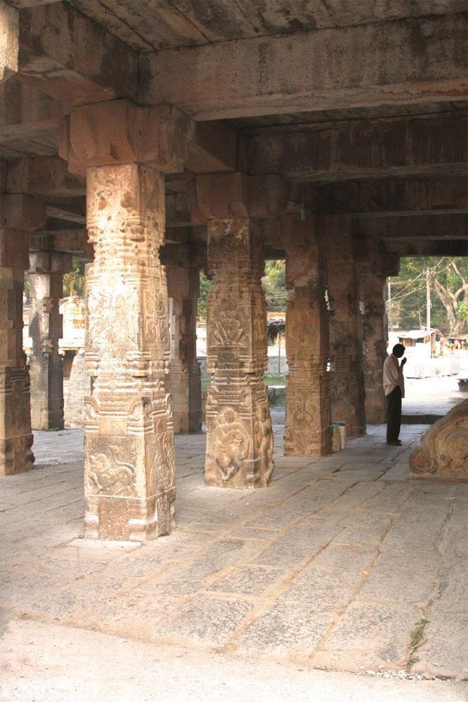 Old Stone Pillars : Ideas about stone pillars on pinterest driveway