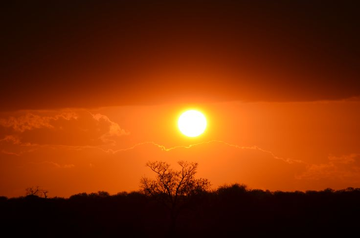 Sunset over the Kruger National Park - as seen from Ngwenya Lodge close to the Crocodile River gate (Komatiepoort).