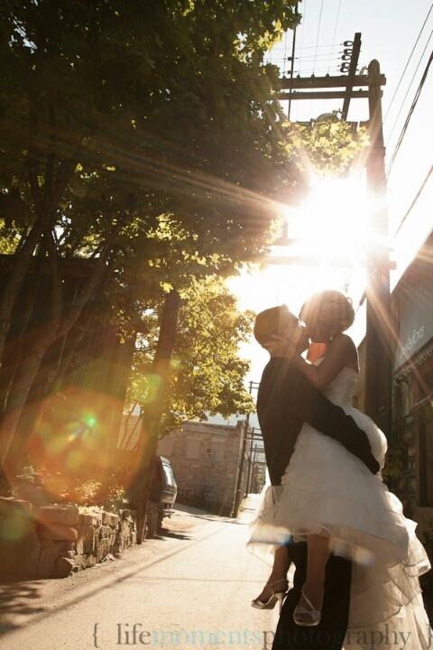 Alley Kiss. Wedding. 2012.
