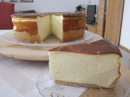 Κέζεκουχεν - κλασικό παραδοσιακό Γερμανικό γλυκό με γιαούρτι