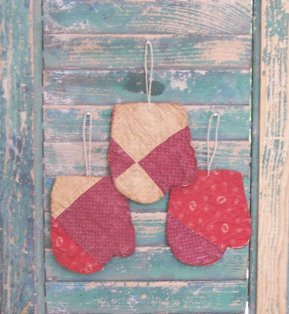 .3 mitten ornaments for your primitive farmhouse Christmas! Etsy CIJ Sale July 2017