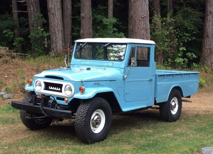 Never Rusted: Upgraded 1965 Toyota Land Cruiser Pick-Up