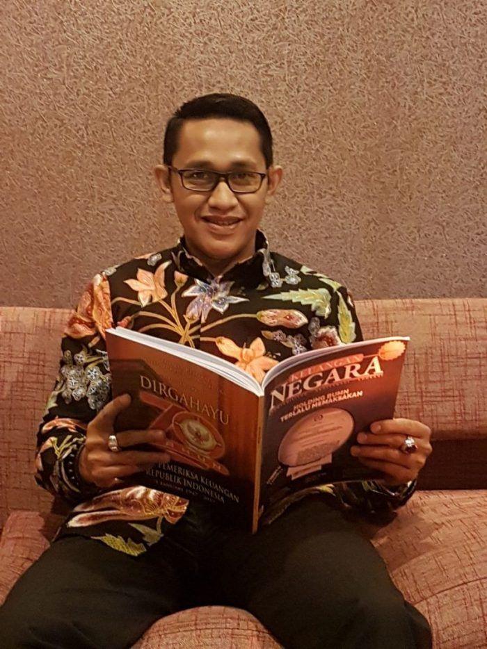 Lidik Makassar – Badan Pemeriksa Keuangan (BPK) sebagai lembaga yang berwenang dalam mengawasi dan memeriksa keuangan negara. Temuan itu disampaikan ke DPR dan ditindaklanjuti oleh aparat penegak hukum (APH).  Namun, terkadang hasil temuan BPK tersebut tak ditindaklanjuti oleh KPK. Hal itu...