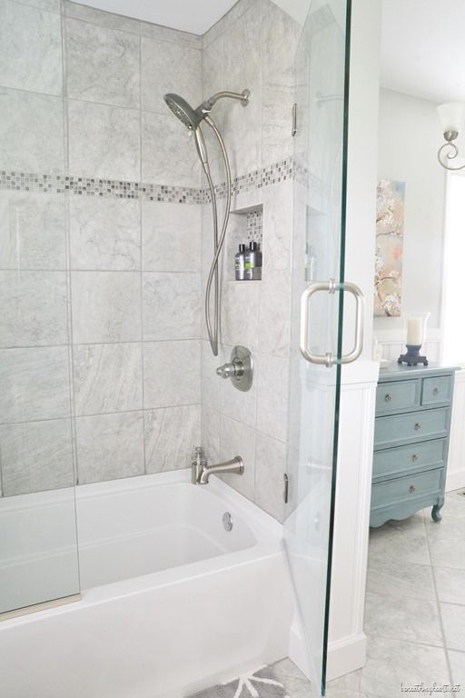 i love these shower doors on the tub they look like they would be easy