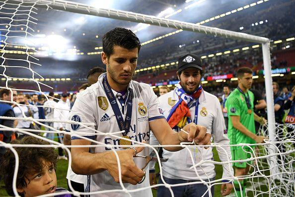 #rumors  Manchester United transfer news: Update on futures of Morata, De Gea and Fabinho