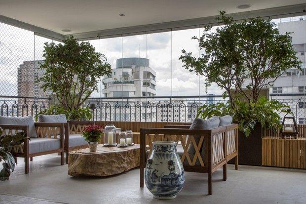 Projeto Coletivo Arquitetos - Varanda com verde e arte
