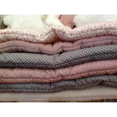 1000 id es sur le th me matelas de futon sur pinterest housses de futon matelas et futons. Black Bedroom Furniture Sets. Home Design Ideas