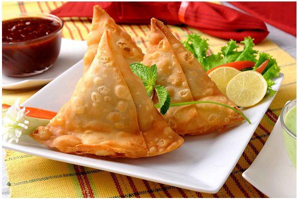 Samosa: involtino di verdura della cucina indiana  #vegetariano #ricetta #Samosa: l'involtino di verdura della cucina indiana QUI>>http://tormenti.altervista.org/samosa/