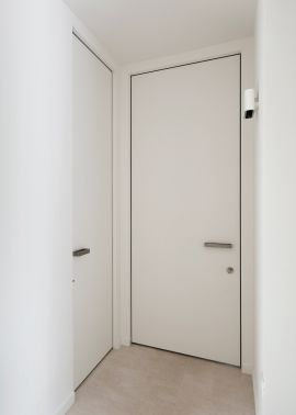 minimalist interior door with cylinder lock