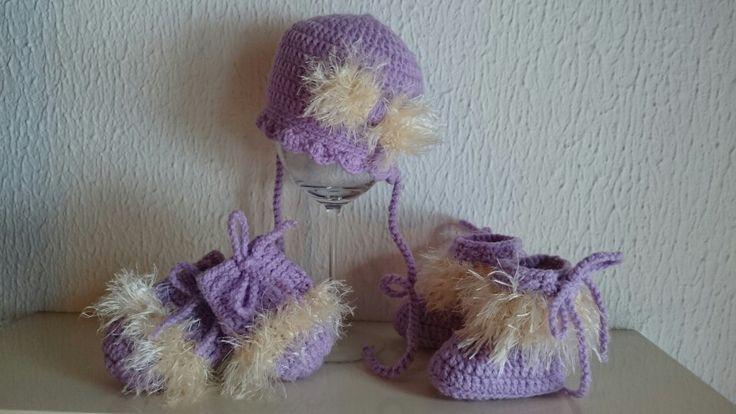 Crochet Set - Hat Mittens And Booties