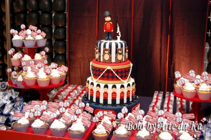 Bolo soldadinho de chumbo: Birthday, Bolo Soldadinho De Chumbo, Teaparty Party Ideas, London Party, Party Decoration, Children'S Parties