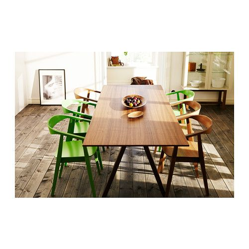 stockholm mesa ikea el tablero de chapa de nogal y las patas de fresno macizo confieren a tu. Black Bedroom Furniture Sets. Home Design Ideas