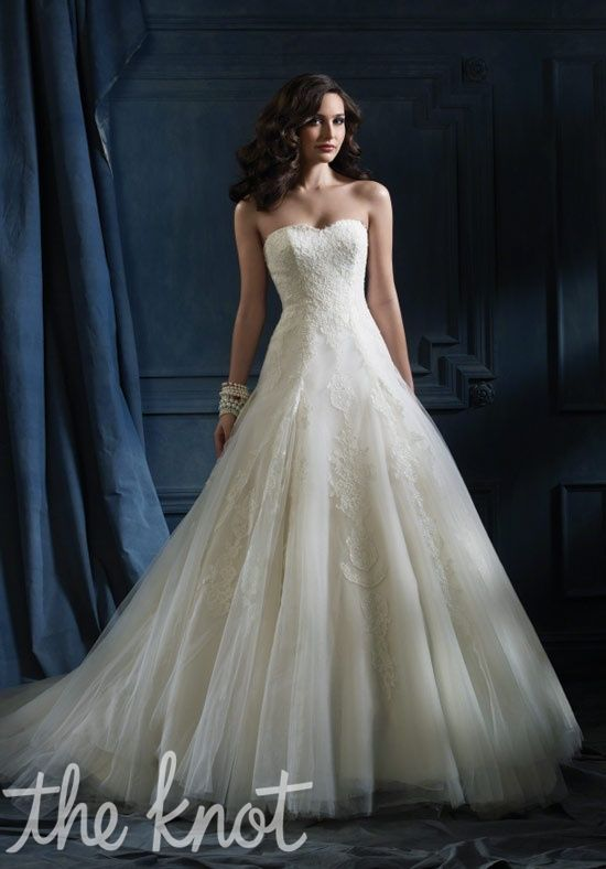 TOP 3.  Alfred Angelo Sapphire -867   Love the lace, tulle and dropped waist bodice.