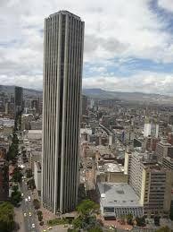 Bogotá- Torre Colpatria- Edificio de 50 pisos tiene una altura de 192 mt