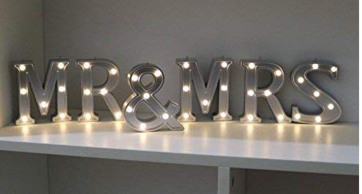 Large Mr and Mrs Sign / Free Shipping by Eventsonbudget