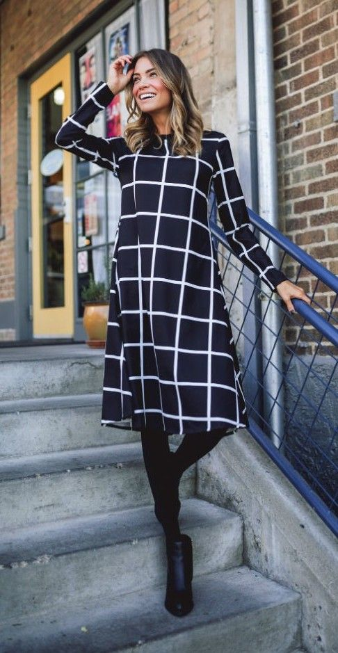 Black + White + Grid = all mean this dress is TOO GOOD!