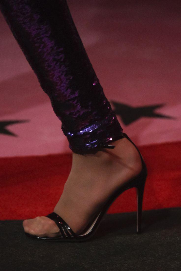 Ноги от Gucci: 90-е возвращаются? - Bracatus. Блог о колготках и чулках
