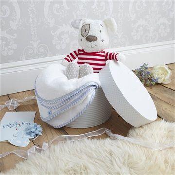 Nydelig pyntet microfleece håndkle og 'Henri Valp' kosedyr gavesett fra britiske designer baby merkevare IZZIWOTNOT. Pakket i en fin gave/hatt eske. Kr 339
