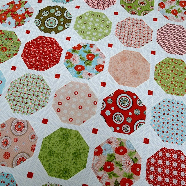 Best 25+ Snowball quilts ideas on Pinterest Patchwork patterns, Quilt patterns and Nine patch ...
