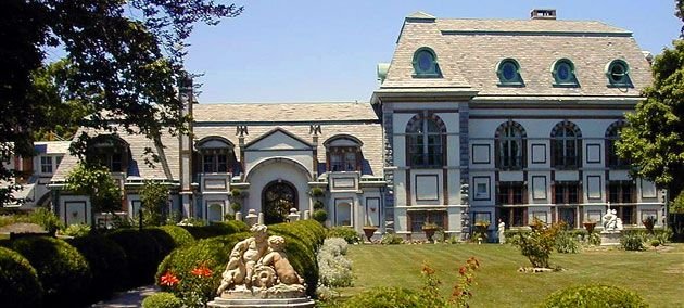 Newport Rhode Island Haunted Mansion Tours