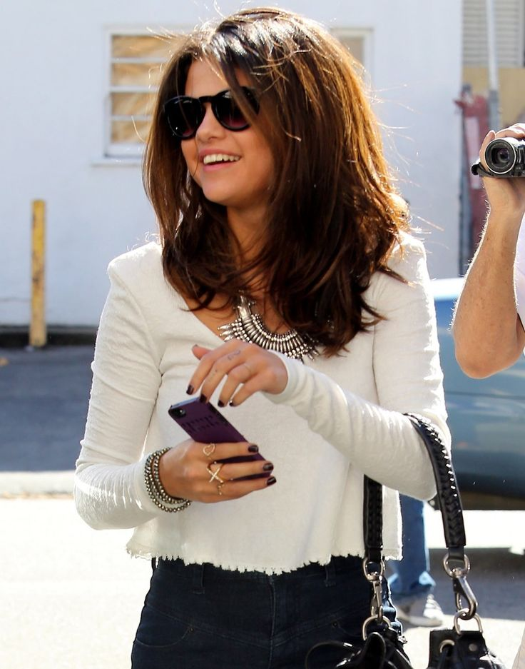 Selena Gomez - I love her haircut in this photo
