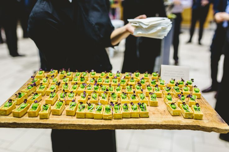 Canapé - Smooth Green pea, wafer pastry , verjuice shaved asparagus tart. Photographer: Stewart Ross
