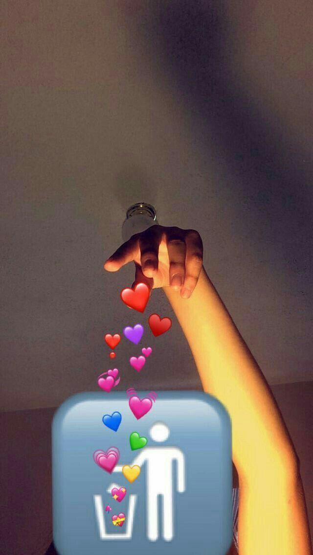 لو املك عشرة قلوب لا اعطي لك واحدا منهم Snapchat Picture Tumblr Photography Emoji Pictures