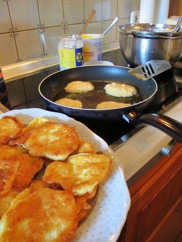 Low Carb Eiweiß Pancakes - Frühstück, Mittagessen, Abendessen, Zwischendurch - 500g Quark, 17 Eier, 1 Päckchen Backpulver, 100g Mehl, viel F...