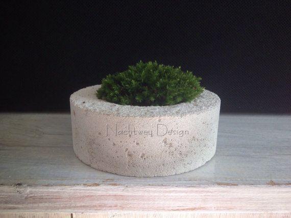 Betonschale Pflanzschale Teelichthalter Blumentopf Dekoschale Deko  Ein wunderschönes Designerstück handgefertigt - jedes Stück ein Unikat.
