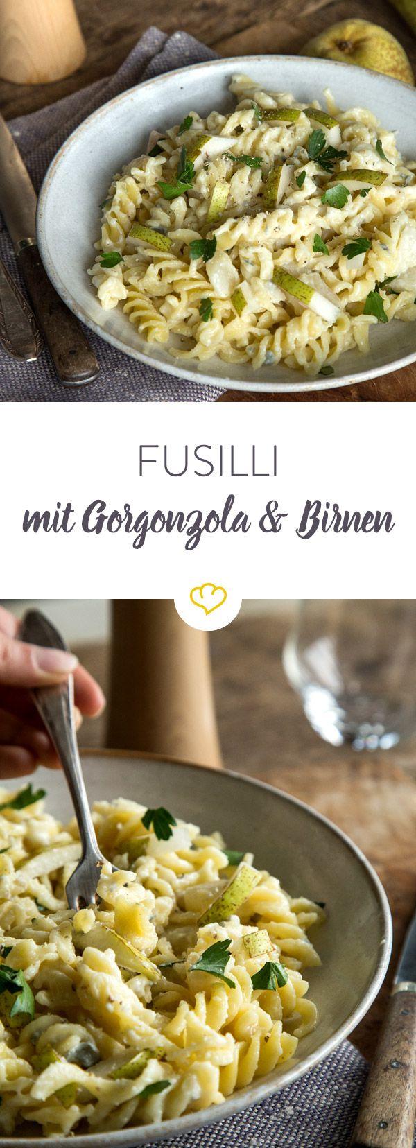Gorgonzola, Birnen und Fusilli, eine perfekte Mischung für deinen Feierabend: Denn sie sind flott zubereitet und dabei wahnsinnig lecker!