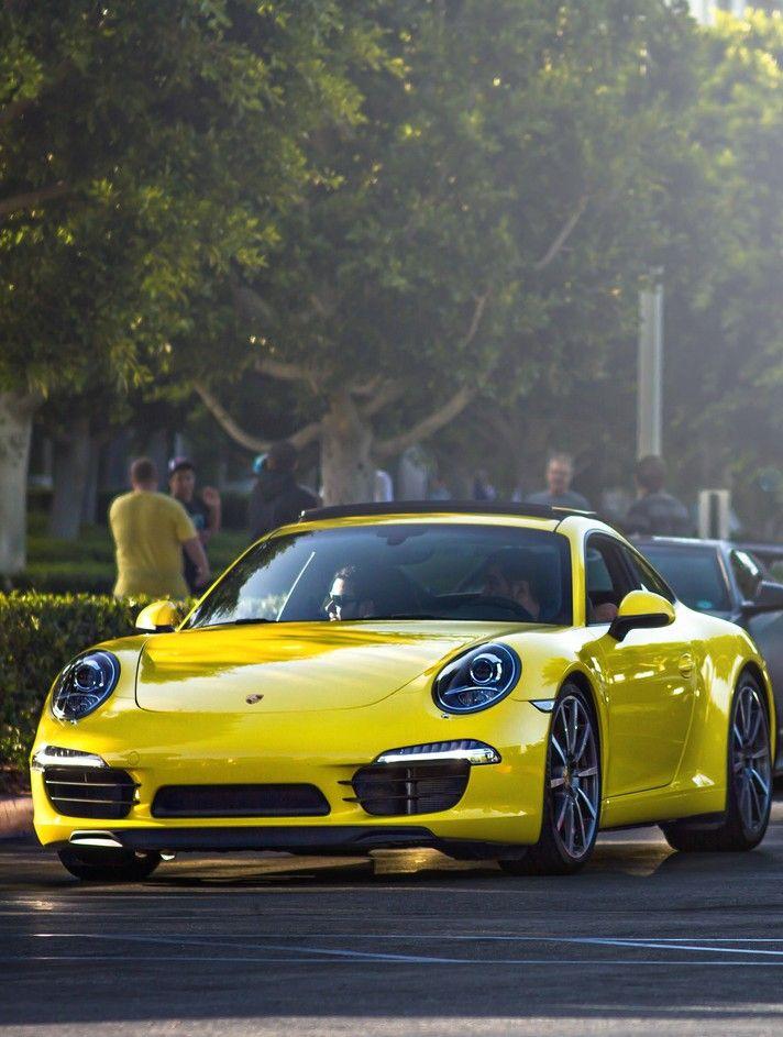 Who's looking at who?  Porsche 911 #porsche