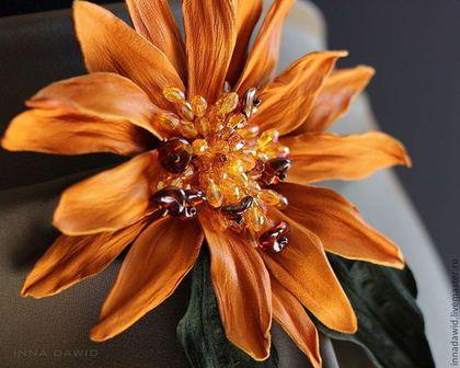 """Броши ручной работы. Цветы из кожи. Брошь """"Sole"""". """"Bottega dei fiori"""". Ярмарка Мастеров. Кожа натуральная, цветок"""